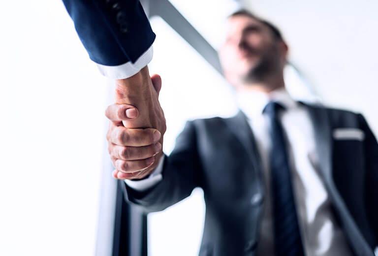友善握手談合作